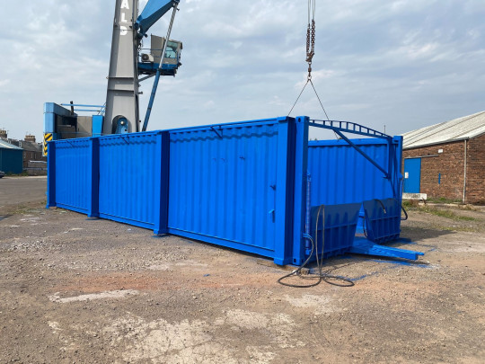 Port Side Loading Container